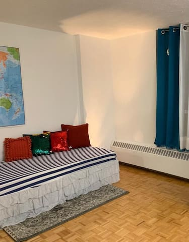 Bright and Spacious - 1 Bed Space in an apartmen