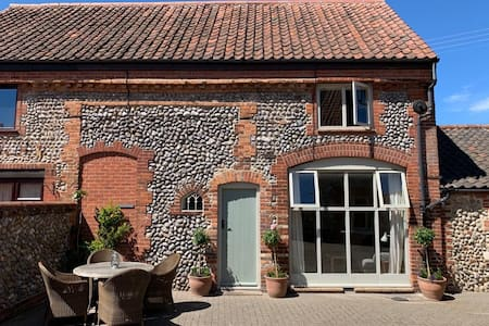 Stunning cottage on the North Norfolk coast