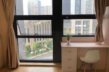 C1杭州地铁临平站附近地铁公寓,银泰城对面,可做饭,大落地窗,宜家简约风格精装修公寓,地铁直达西湖