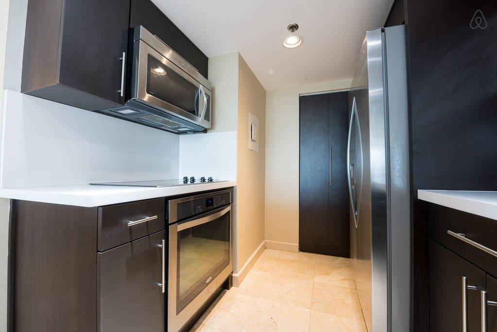 """The Grand 1437   1bed/1.5bath   Free Valet Parking"""""""