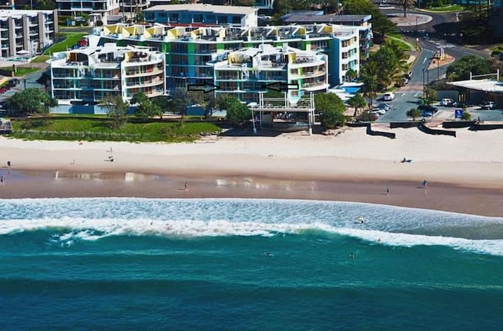 Absolute Kings Beachfront Rolling Surf Apartment