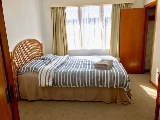 Comfy Environment Close to Train Station - R1 - Auckland - House