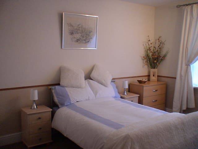 First Floor Apartment close to town and Beach - Prestatyn - Apartment
