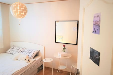Serene Stay @Private 1 @Queen Bed
