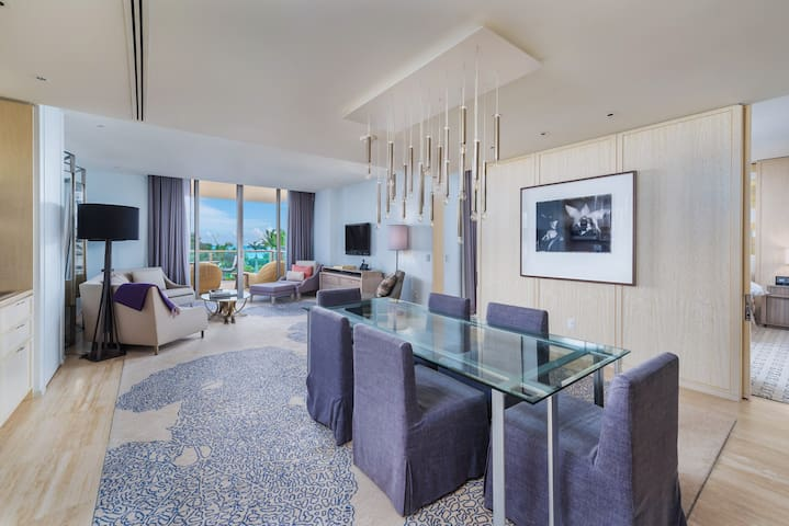 $4 Million 2BR St Regis Oceanfront Hotel Amenities