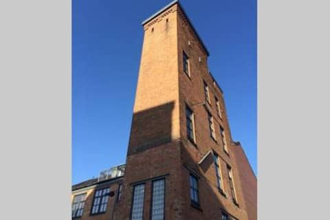 Victorian Water Tower Loft with secure parking