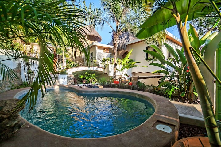 Stunning Casita, private pool  4 min walk to beach