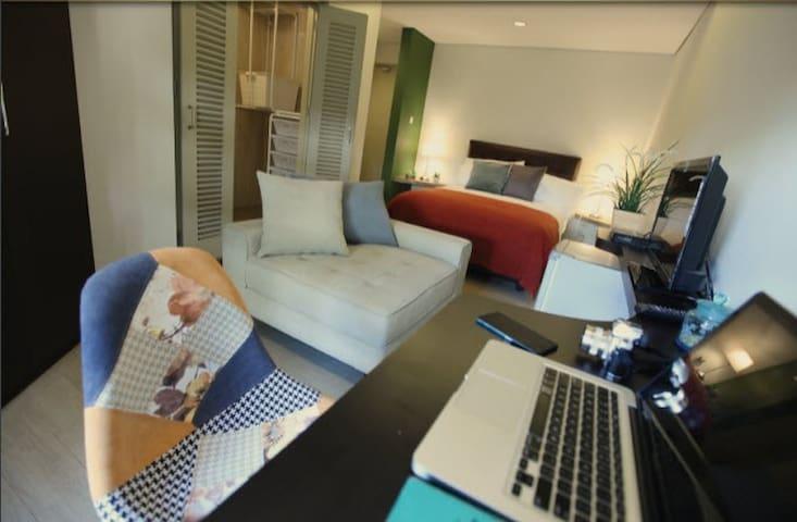 Cozy Private Room in Kemang