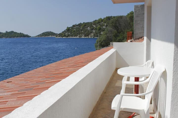 Two bedroom apartment near beach Pasadur (Lastovo) (A-8391-a)
