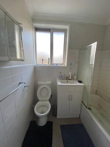 Private Room in Alfred Square, St Kilda VIC