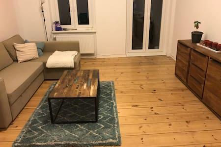 1 room in luminous 2 room flat in Wedding - Berlijn - Appartement