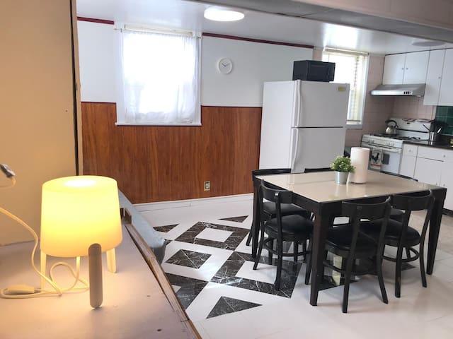 Cozy One Bedroom Apartment In Astoria!!!
