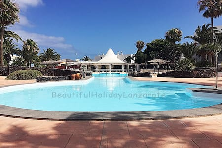 Apartment Nobleza with Pool, Sat-TV, free Wifi - Costa Teguise - Leilighet