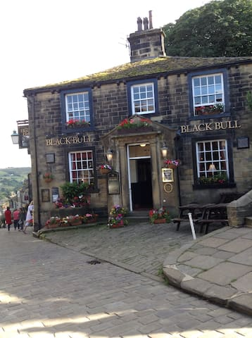 Famous Pub Main Street Haworth - Haworth
