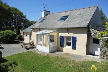 Gîte de Kermerour - indépendant, Finistère sud - Bannalec - House