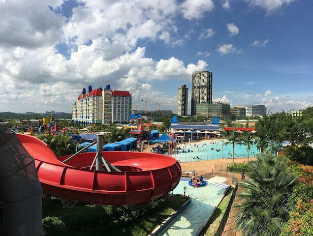 Amazing Resort (2BR) opposite Legoland with WIFI* - Nusajaya - Apartment