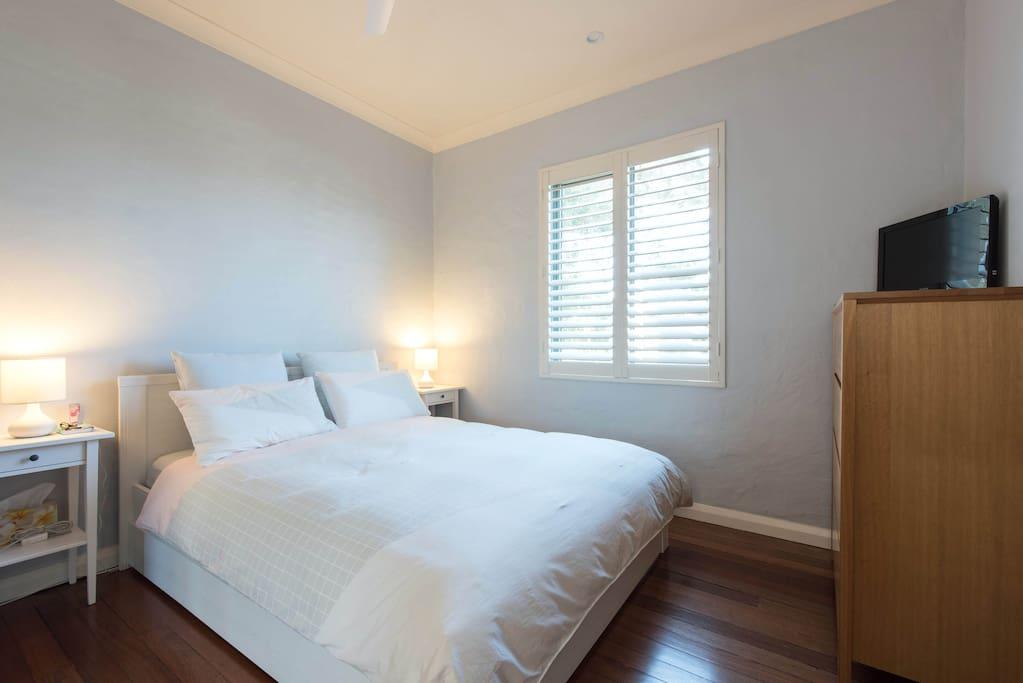 Second bedroom - Queen bed with TV (has Netflix)