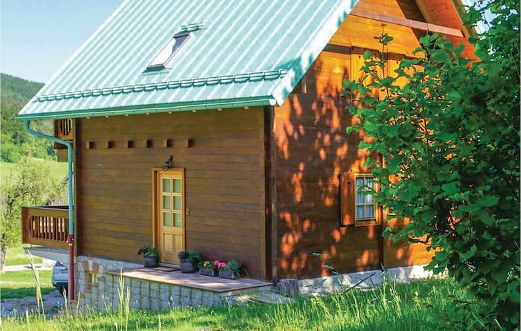 Holiday cottage with 2 bedrooms on 80m² in Mrkopalj