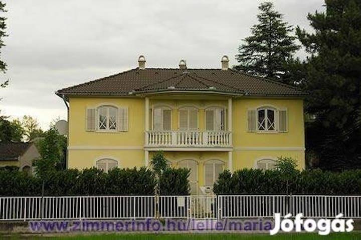 Mariann villa - Balatonlelle - Feriehus