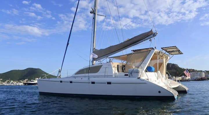 Spellbound Too Catamaran *Fully-Crewed & All-Inclusive*