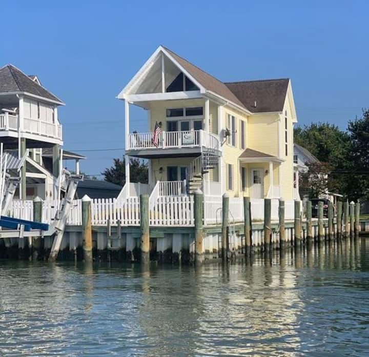 Sea Casa, Waterfront with Deep Water Dock