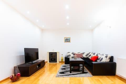 Cosy apartment in Modrica ¦ Modern & Bright