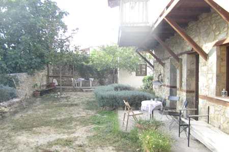 Rustik country house near Thessaloniki - Peristera - Willa