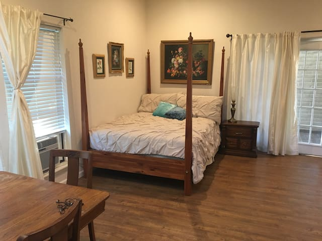 Lytle Area Apartment - Abilene