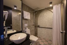 J SEA FRONT Superior DBLE Room with Shower :)