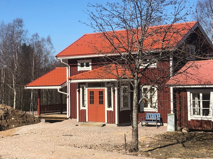 Nybyggd 6-bäddsstuga utanför Leksand Åkersbodarna
