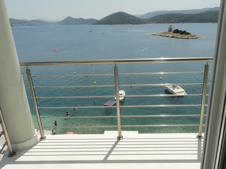 Apartment At the sea - 5 M from the beach : A6(4+1) Klek, Riviera Dubrovnik