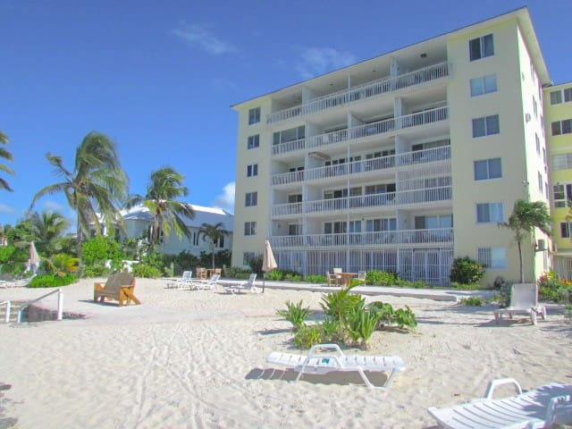 Cozy apartment in Cable Beach Nassau
