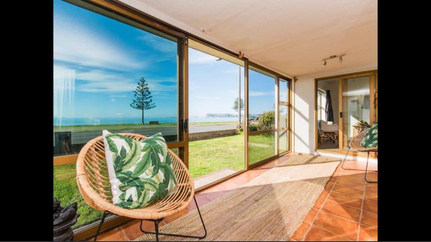 The Esplanade Beachfront spacious house