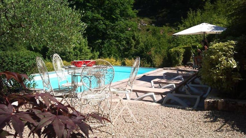Villa 8 personnes, piscine, chambres climatisées
