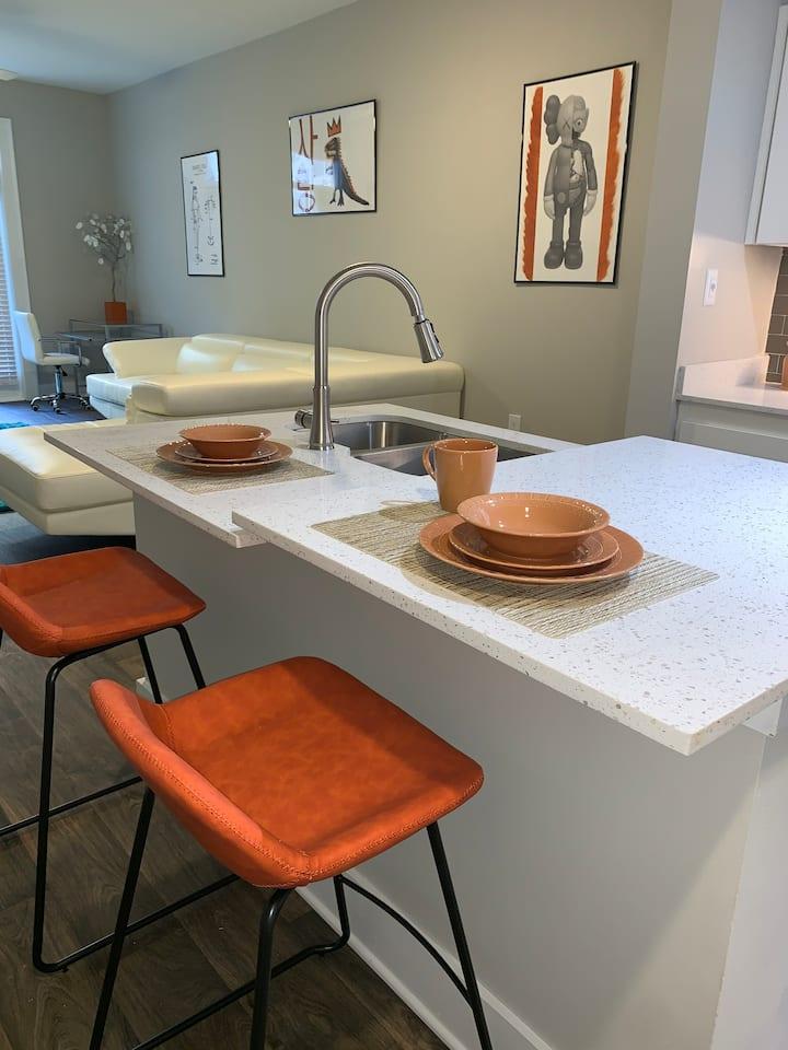 Cozy City Living W/ access to all Buckhead luxury