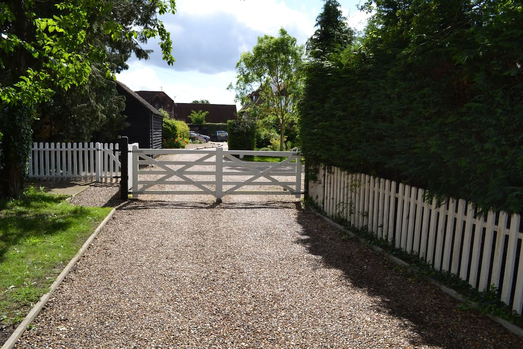 The private driveway leading to Little Chauntry