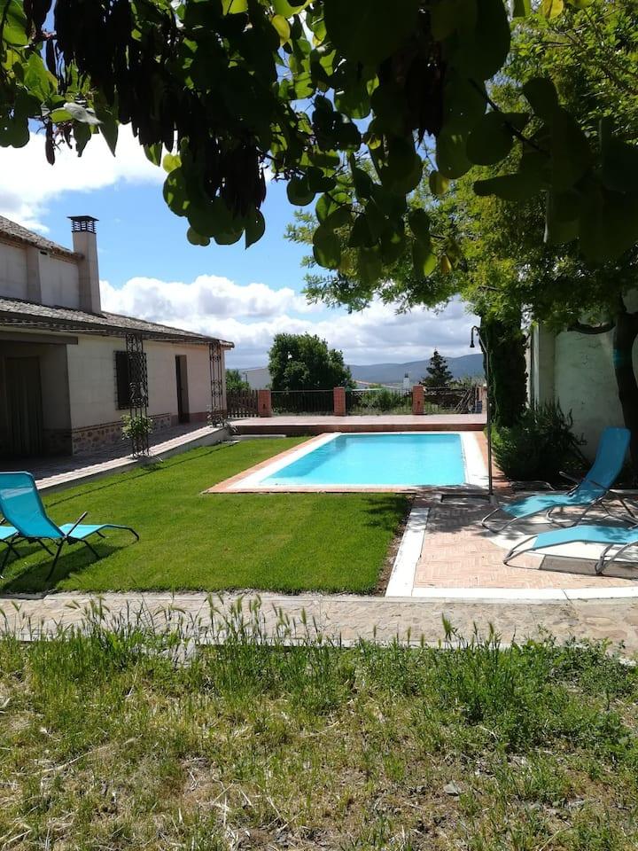 Casa el Laurel , Marjaliza,Toledo, con piscina