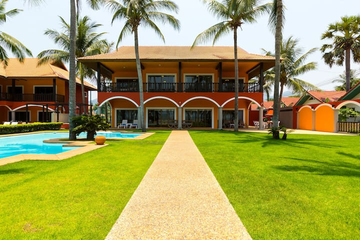 Absolute Beach Front Luxury Villa 2 - Sam Roi Yot
