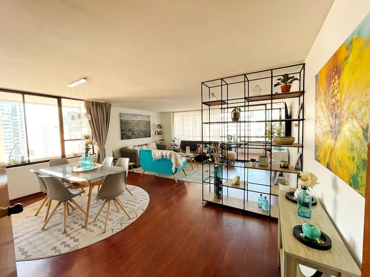 Big bedroom in cozy flat in El Golf, Las Condes