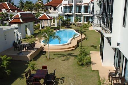 Sunrise Villa Resort - 4 Bedroom Villa - Pattaya City