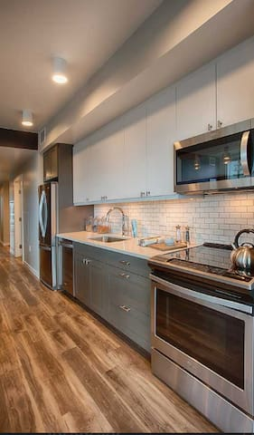 Walk across the street to Whole Foods Market and grab something quick to prepare in the kitchen or walk to one of the hundreds of bars and restaurants in Downtown Denver.