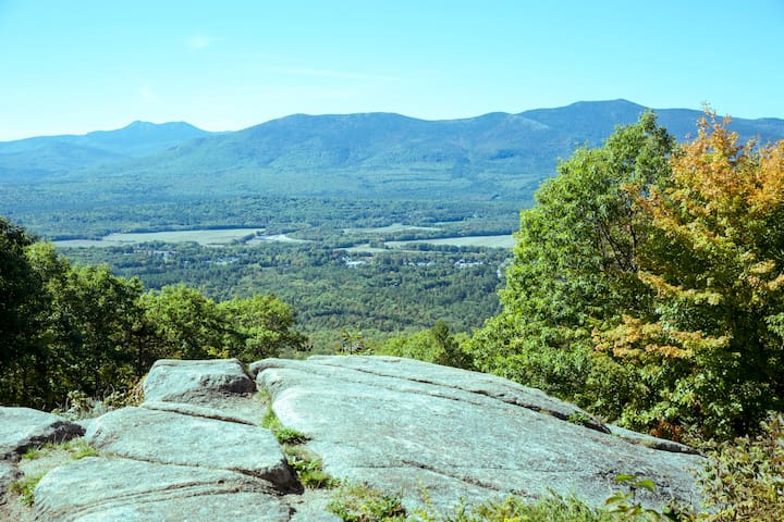 Conveniently located close to dozens of White Mountain National Forest hiking trails
