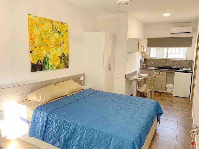 ⭐️ Nueva suite con cama queen en sector centrico