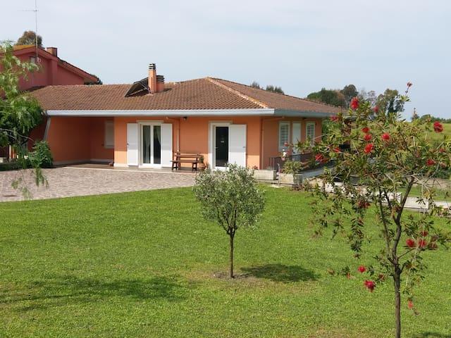 Villa in the north of Rome 25 min. from San Pietro
