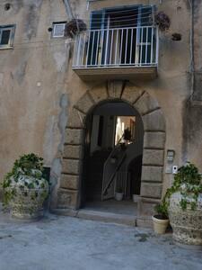 Residenza Amante mansarda sul corso di Tropea