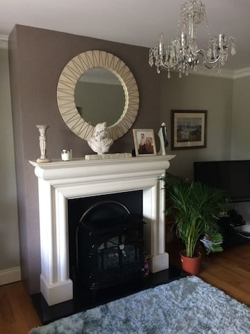 3 bedrooms in Family home