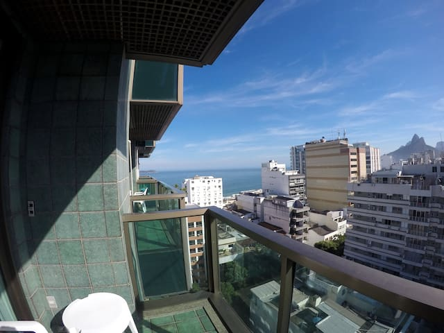 2 suites Ipanema sea side view with services