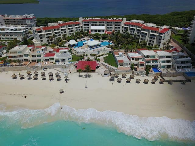 Cancun hotel zone resort lagoon studio