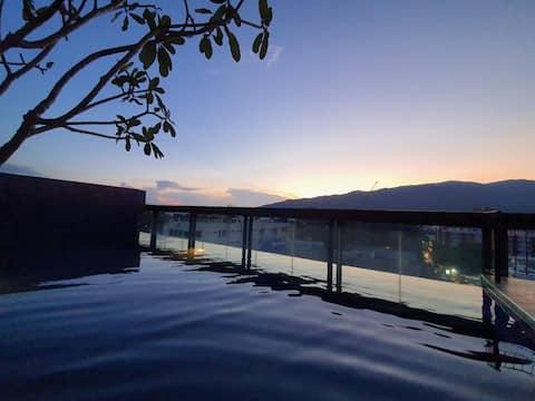 ❤️Top Floor Mountain View +Rooftop Pool@Nimman2 ❤️