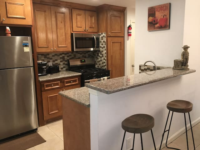 Centrally Located/Houston/Clearlake/Pasadena